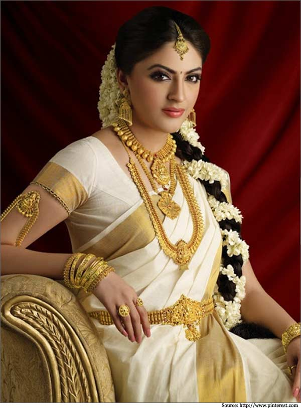 The White And Gold Nair Wedding Mangalayamae,Middle Aged Classy Summer Wedding Guest Dresses